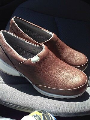 Professional Work Slip Resistant Shoes Akesso Helia Brown Size 9.5 M