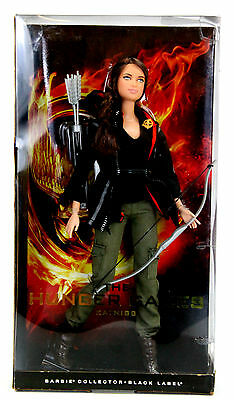 THE HUNGER GAMES Katniss Doll Barbie Collector Black Label Mattel W3320