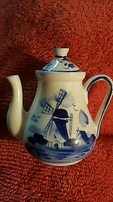 Delfts 4 inch blue/white teapot windmill & floral