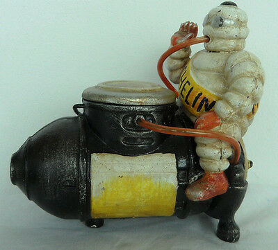 Vintage Cast Iron LARGE Michelin Man 7,5 inch