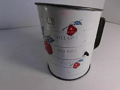 Bromwell's Apple Pattern 3 Cup Sifter