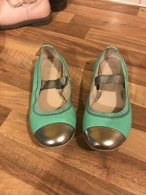 Size 10.5 Clarks Girl's Shoes