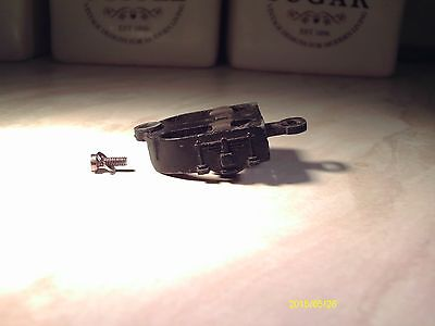 HORNBY DUBLO A4 rear bogie with screw VGC for spares & repairs used as seen
