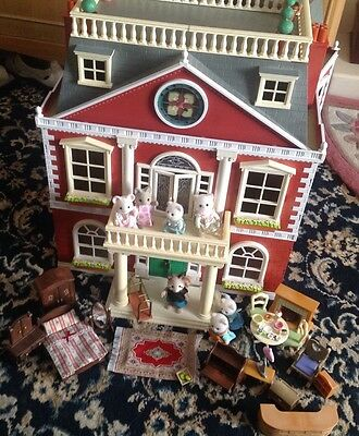 Sylvanian Families Grand Hotel with accessories And Figures