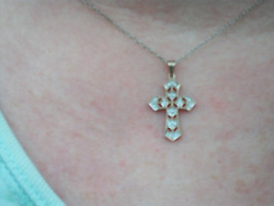 10K Solid Yellow Gold & 18 Diamonds Pave Cross Beautiful Vintage Design
