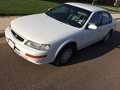 1996 Nissan Maxima SE Nissan Maxima 1996 Metallic White (GOOD CONDITION)