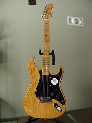 MIJ - USA Fender Stratocaster guitar with hard case
