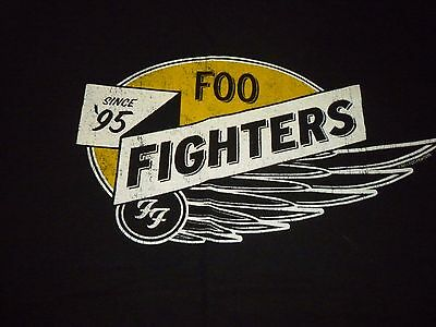 Foo Fighters Shirt ( Used Size L ) Nice Condition!!!