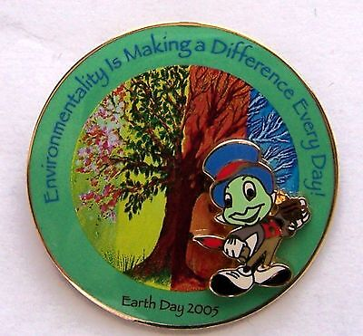 Disney Pin DLR Cast Exclusive Earth Day 2005 Jiminy Cricket