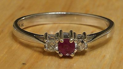 10K White Gold Ruby And Diamonds Ring Size 7
