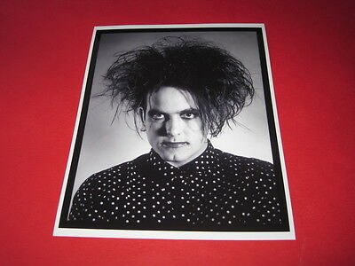 THE CURE ROBERT SMITH  10x8 inch lab-printed photo P/8817