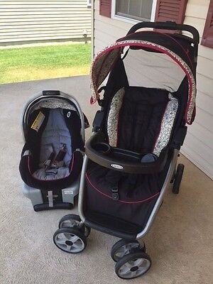 Graco SnugRide Classic Connect 30 Infant Car Seat and stroller travelling system