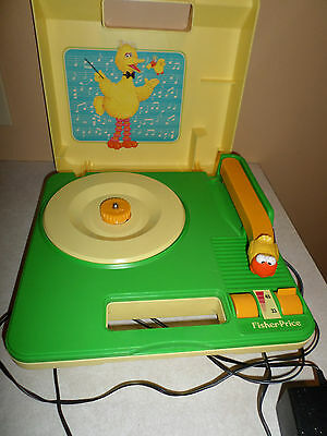 Fisher Price Sesame Street Big Bird Record Player Phonograph Excellent Sound 816