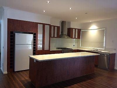 Second Hand Kitchen with Island