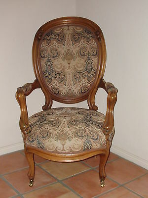 Antique Victorian Gentlemen's Parlor Arm Chair Walnut