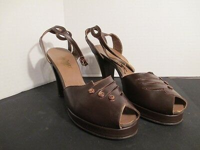 Vintage 1940's Brown Leather Platform Shoes with Ankle Straps Size 8.5