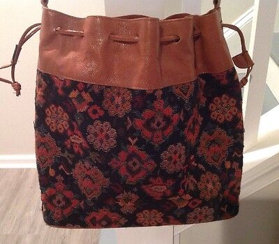 Vintage Tapestry Bucket/Shoulder Bag Purse Leather MADE IN ITALY