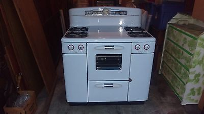 Vintage Tappan Deluxe Stove (Late 1940's)