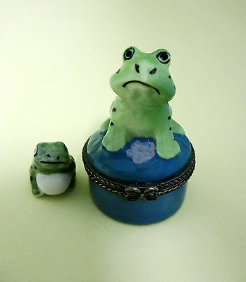 Trinket Box - TOAD  Porcelain Hinged Trinket Box with Trinket  RETIRED