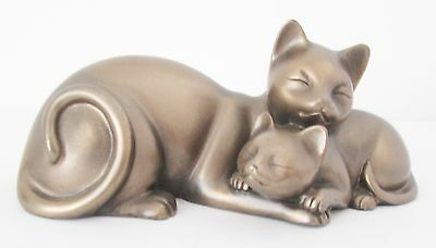 Small Figurine of A Sleeping Cat And Her Kitten.