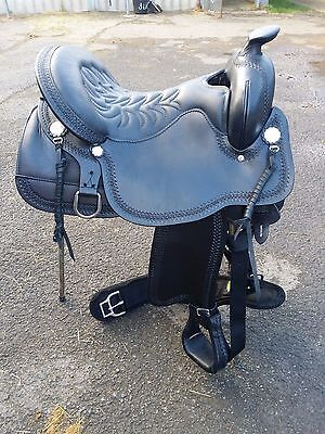 Western black saddle - Tucker - 16.5 seat - NEW