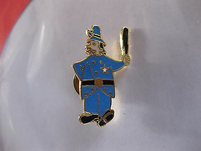 Police Officer London Type  Bobby  Lapel Pin Back New