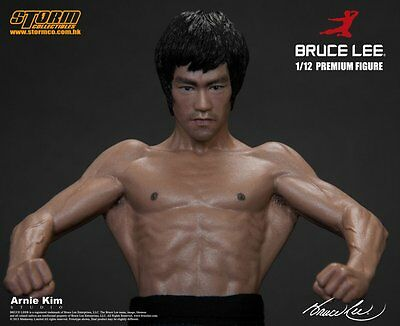 BRUCE LEE - Official Bruce Lee Premium Figur Storm Collectibles 1:12 Statue OVP