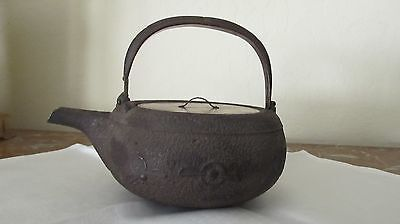 Antique Edo Period cast iron Tea Kettle Tetsubin teapot w/ lacquer lid Japanese