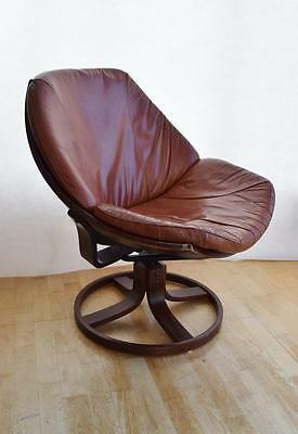 Mid Century Danish Tan Leather Egg / Shell Swivel Armchair 1960s 70s