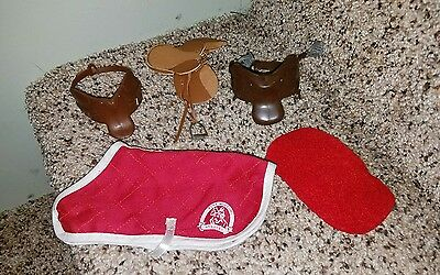 Breyer Saddle Club Pine Hollow Stables Horse Equestrian  Playset accessories lot
