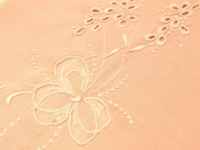 Vtg Antique PINK FLOWER MADEIRA HAND EMBROIDERED LINEN Guest Bath Tea Hand Towel