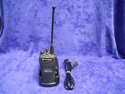Motorola Xts 1500 764-870 Mhz Two-Way Radio H66Ucd9Pw5An W/ Impres Charger