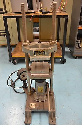 Carver Laboratories Heated 12 Ton Bench-top Press