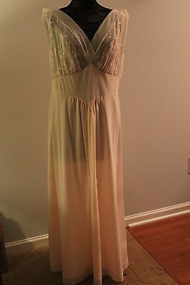 VINTAGE Pink chiffon sheer tricot VANITY FAIR NIGHTGOWN SIZE 42- sIssy 1950's