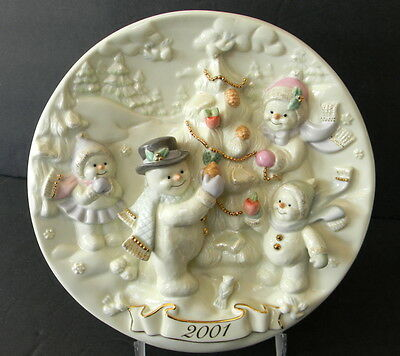 Lenox Snowman Christmas Collector Plate 2001 Ivory 8.5 in Dia 3D Raised Relief