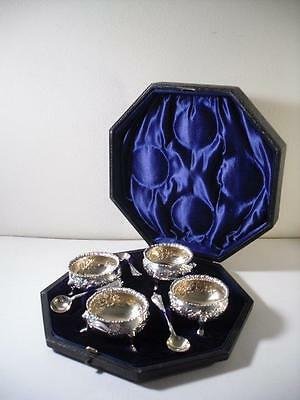 A Cased Set of Four Antique Silver Salts & Spoons : Birmingham 1895