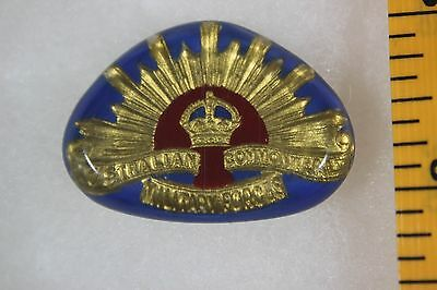 WW2 Royal Australian Commonwealth Military Forces Sweetheart Badge Pin A17