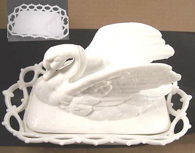 Excellent Westmoreland Swan on Nest Lace Basket Milk Glass Beautifully Molded