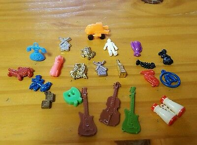VINTAGE LOT CRACKER JACK TOY PRIZES GUMBALL CHARMS PLASTIC & more!