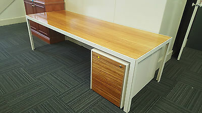 Designer Timber Top Desk W/Off White Metal Frame