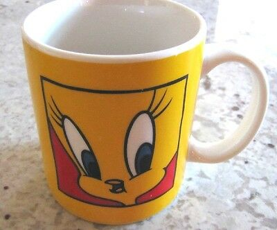 Warner Brothers Tweety Bird Coffee Mug dated 1991 Yellow Canary Looney Toons