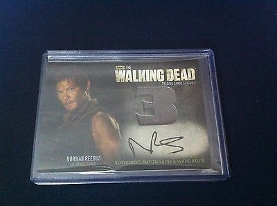 THE WALKING DEAD Daryl Dixon Authentic Wardrobe & Autograph Signed Card AM10