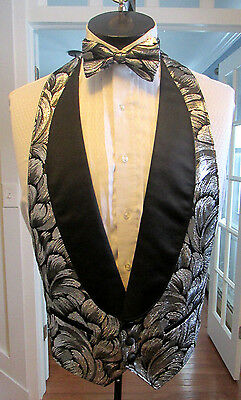 Mens Vintage Formal Vest Lame Silver Palm Shawl Lapel Bow Tie Size Small Nb5
