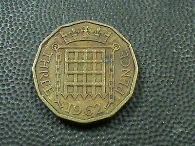 GREAT  BRITAIN    3  Pence    1962