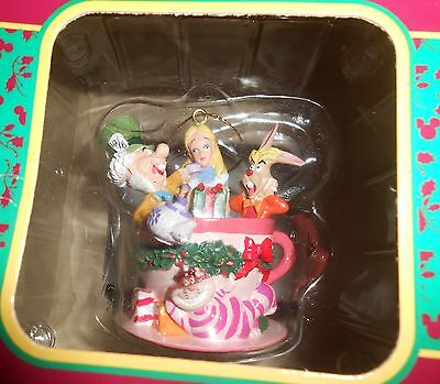 RARE 1998 DISNEY THE MAD TEA PARTY ORNAMENT by CODY REYNOLDS, Mint in Box