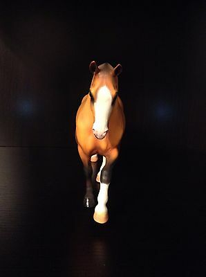 Resin horse 'Roundabout'