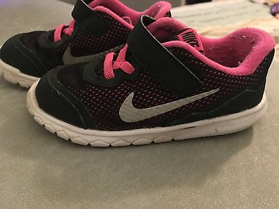 girls nike sneakers size 9c pink and black