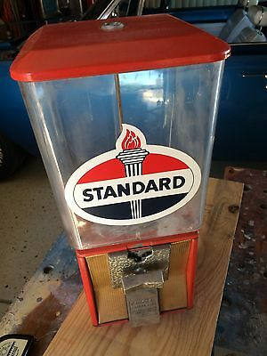 Vintage Parkway Machine Corp. gumball candy machine 10-cent