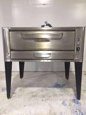 Natural Gas Blodgett Single Deck Pizza Oven on Legs- Clean and Working