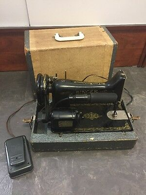 Vintage 1937 Singer Sewer Machine AE669942 100 - 110 Volt 25-75 Cycles